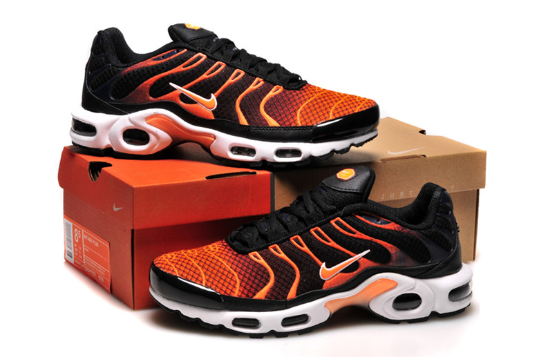 brand new e4673 bbca8 nike tn requin orange