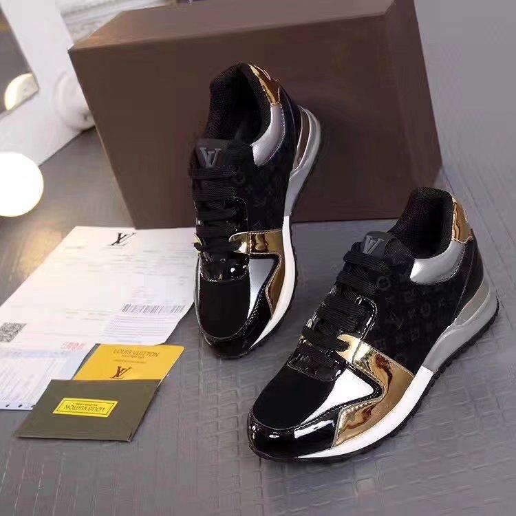 ... femmes sneakers louis vuitton chaussures neuves classic bright black ... e8fe1530c5a